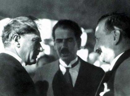 ataturk-rusen-esref-420x309-1 Atatürk; Yaptıklarımız Tehlikede..