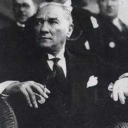 kamal-ataturk-250x250 İnsan Üstü Bir Liderlik Anlayışı; Atatürkçülük