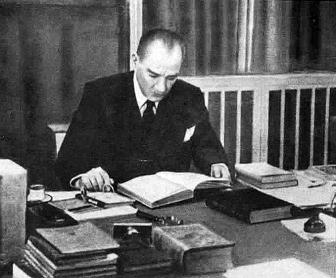 M.Kemal'in Putlaştırılması