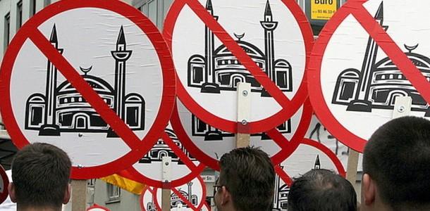 islamofobi İslamofobi Çokkültürlülüğün Neresine Düşer?