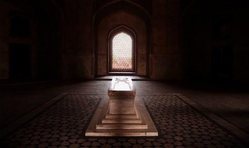 652_300_65faa374 Çağdaş tefsir telakkilerinin reddettiği Kur'anî bir hakikat: Berzah alemi ve kabir azabı