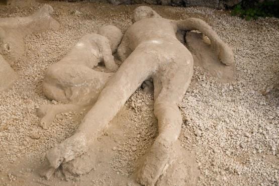 21084735 Livata (Homoseksüellik)daki Çirkinliğin Sebepleri