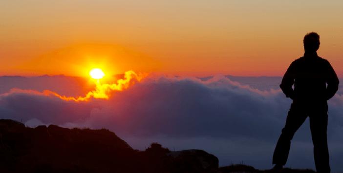 tekekkur2 İnsan Akile ve Mefkeret Kuvvetlerinin Çalıştırılması ile Tekamül Eder