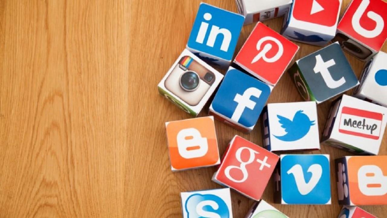 Homo Screenus:Bir Teşhirci Olarak Sosyal Medya Kullanıcısı